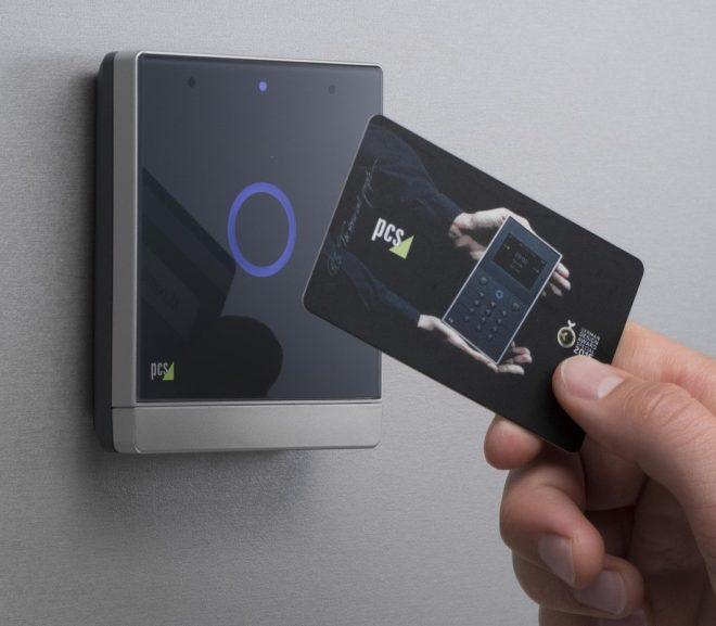 RFID-Schutzhülle · Ausweise und Zahlkarten schützen